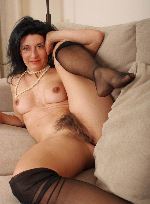 Mature hairy pussy porn thumbs
