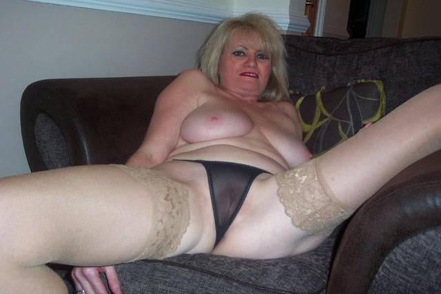 Naked Mature Panties