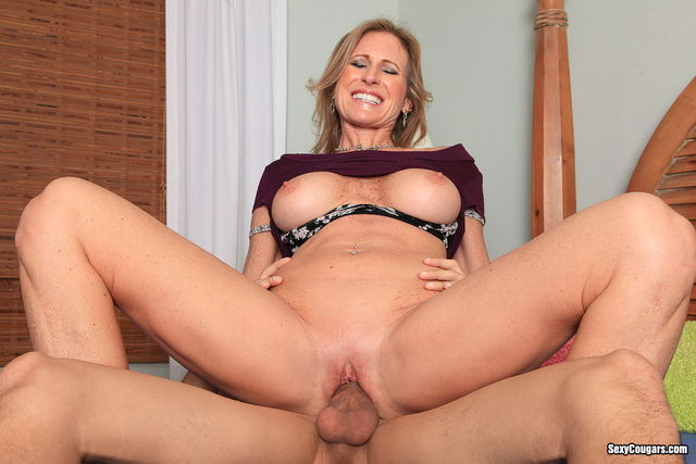 mature milf porn mature milf horny gets fucked