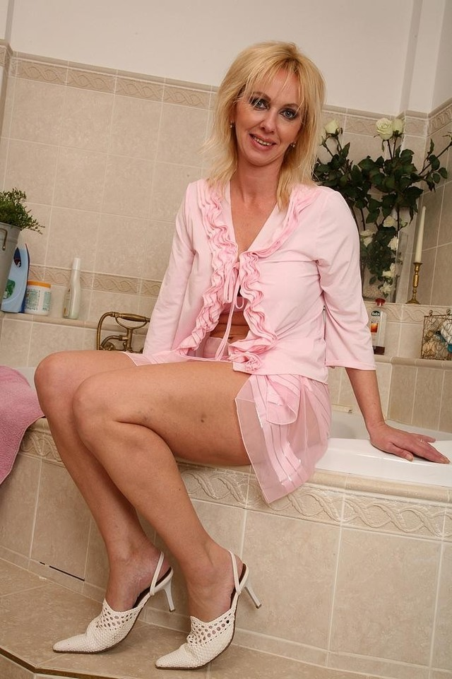 mature porn action old gallery milfs babes moms