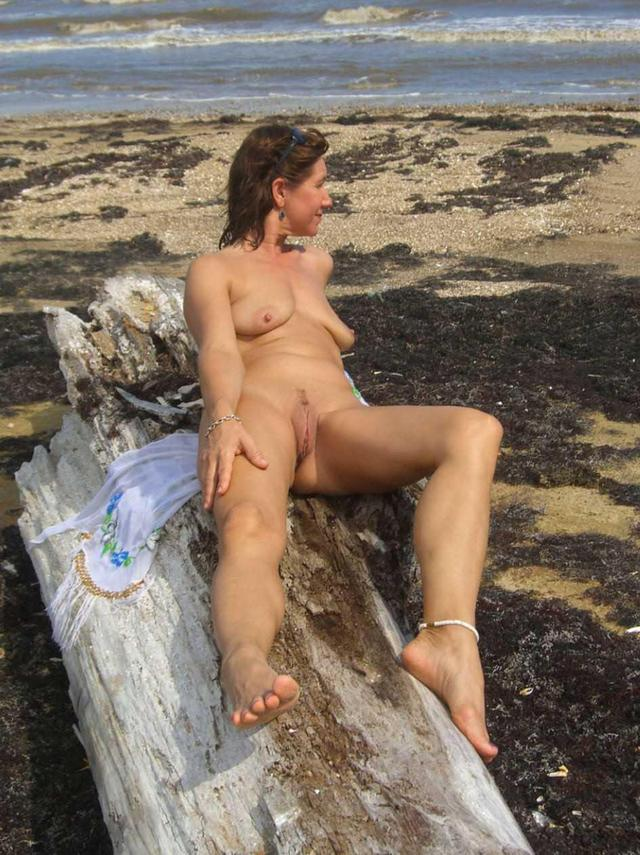 Outdoor Mature Blog 28