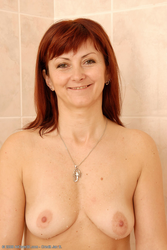 mature redhead porn mature porn galleries diana taking over collection all redhead shower