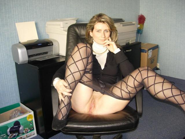 женщина секретарша в платье без нижнего белья фото порно