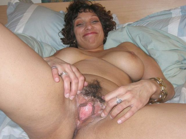 mature sluts porn mature sluts hairy spreading holes