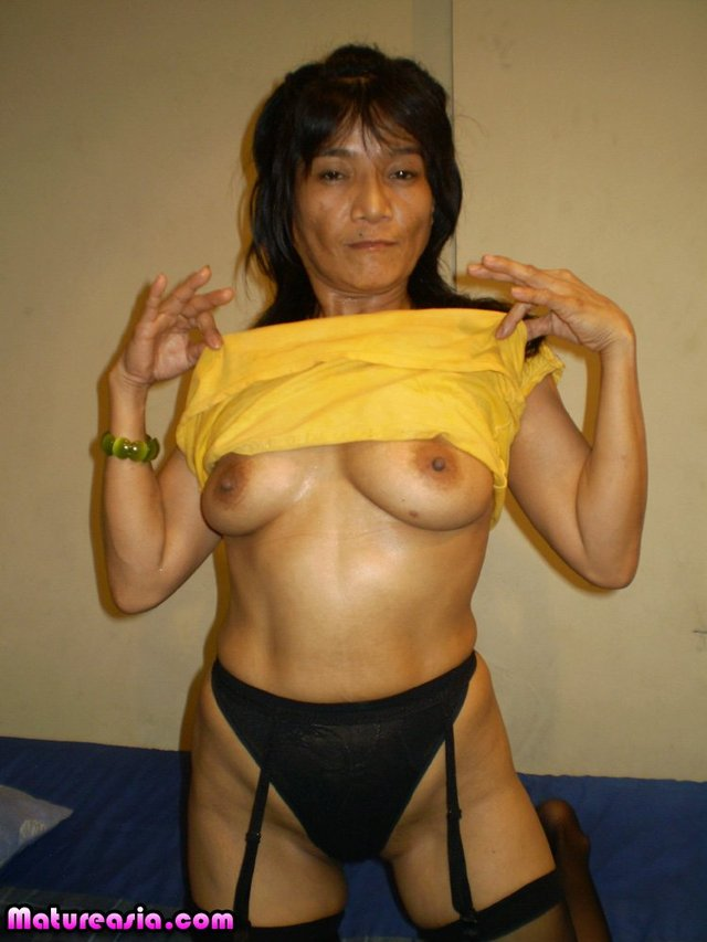 old asian porn mature porn fucking tgp asian brown little machines laya