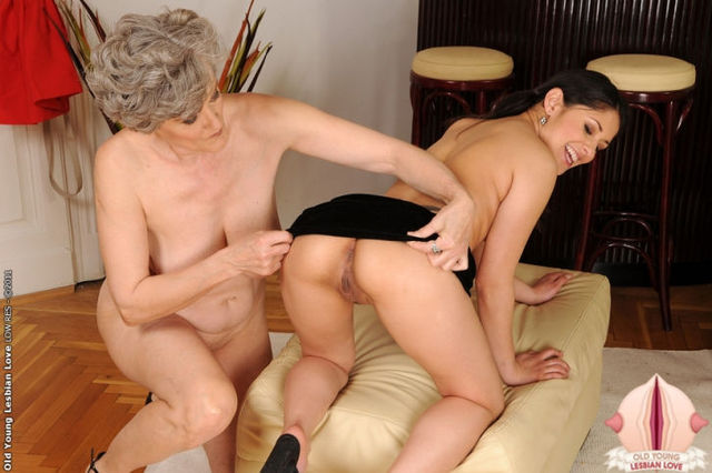 old woman lesbian porn old young lesbian bdsm