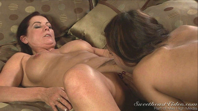 old woman lesbian porn porn pics older women old younger lesbian