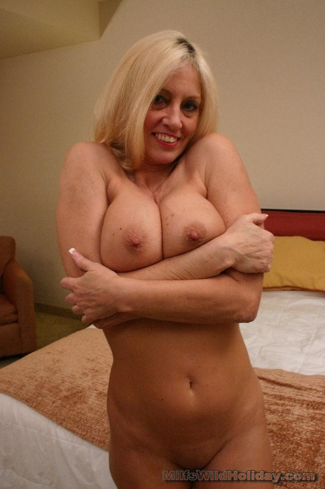 porn busty mature mature media galleries milf blonde busty drilled