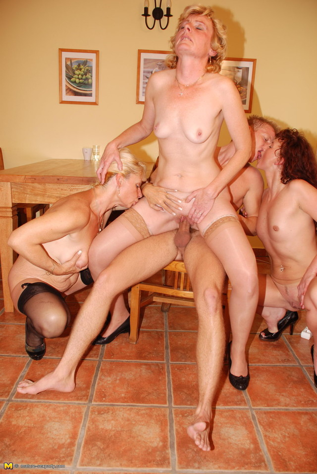 porn gang bang mature mature porn mom hardcore photo slut bang gang bitch sperma