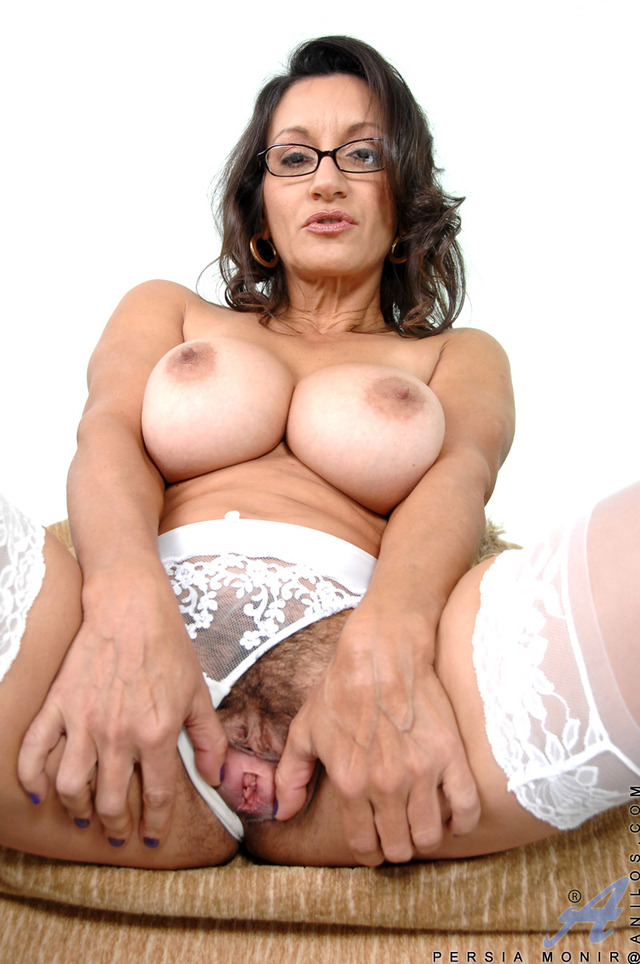 porn mature hairy pussy pussy galleries hairy stockings persia toying monir
