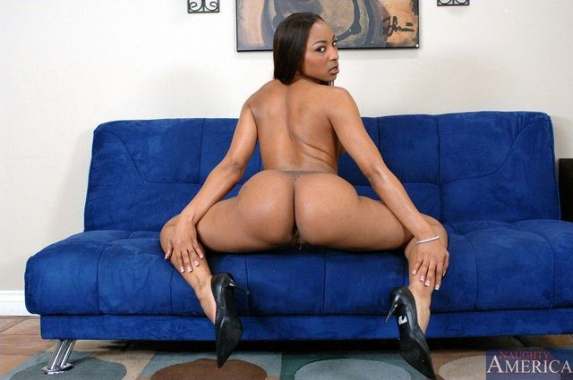 porn reynolds roxy show down body ebony roxy stripping perfect reynolds