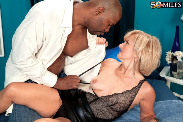 interracial porn mature fuck picture ass interracial gallery milfs anderson plusmilfs ellie