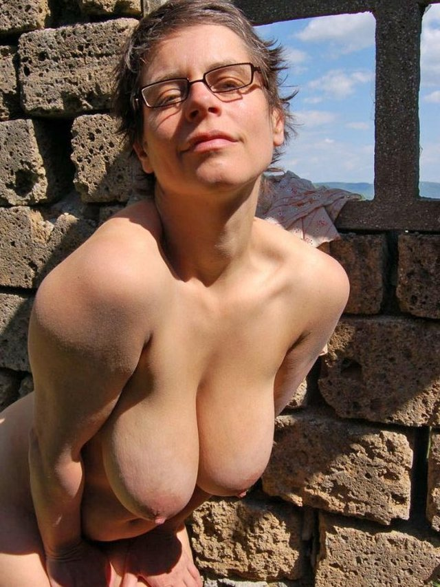 latina mature porn gallery amateur mature nude free galleries beach fisting topless gallaries sidari