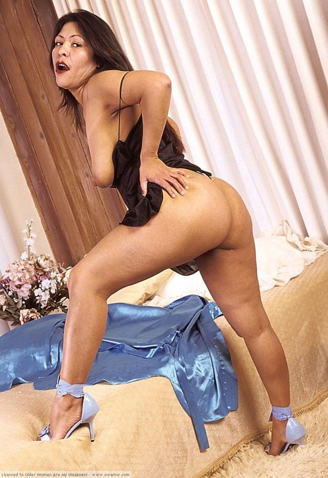 Latina Mature Women 69