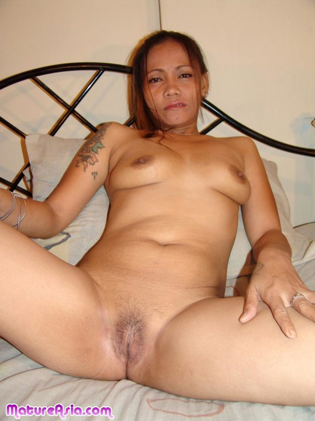 Ebony sluts on white dicks