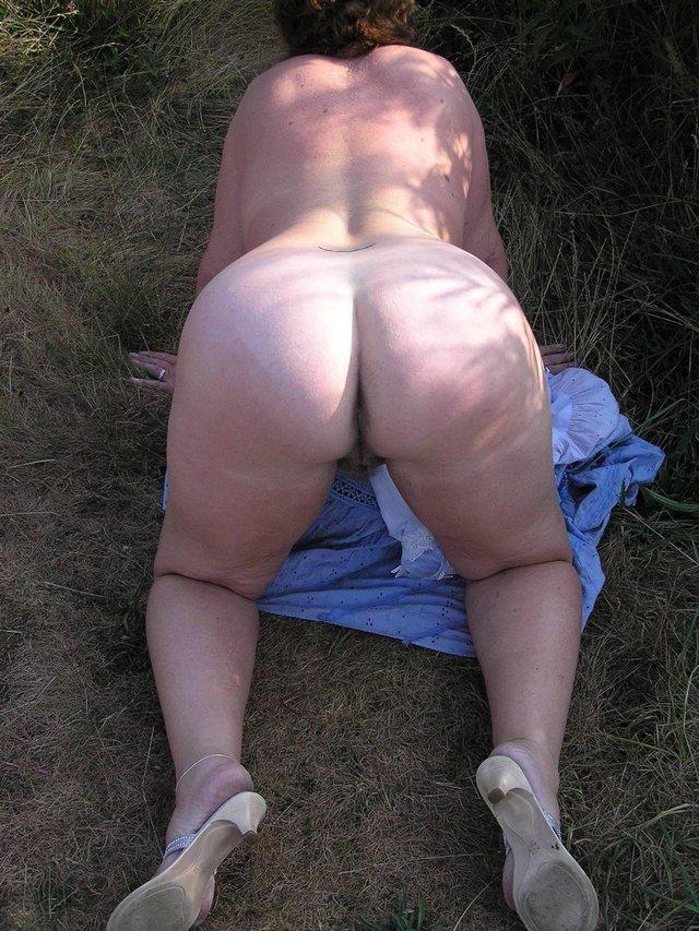 Social Networking Naked Pics