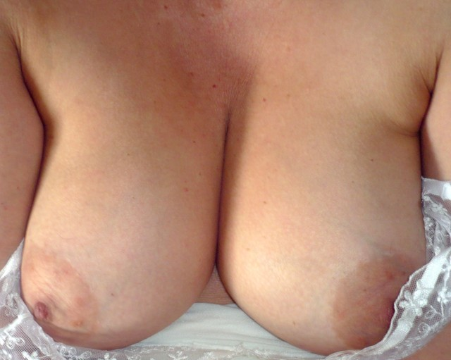 mature big breasted porn mature porn bbw photo saggy slut breasts showing his