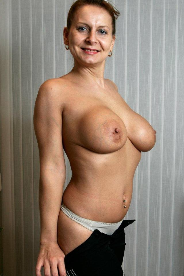 mature big tit porn pictures pics galleries workout