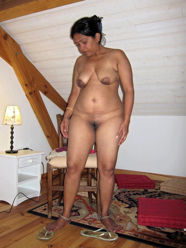 Mature indian bikini