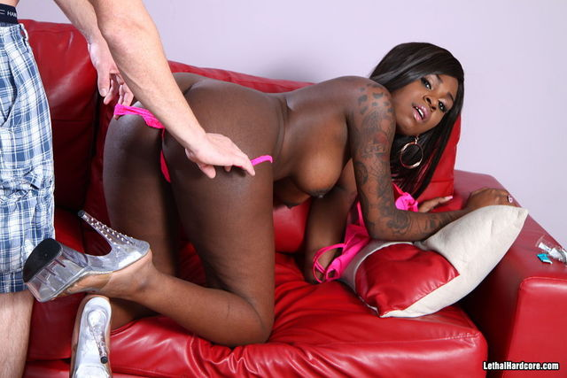 mature black ebony porn mature porn free woman girl blonde black gives handjob latex cumshot