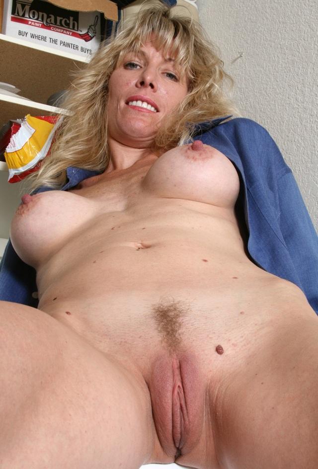 Girl camle toe naked think