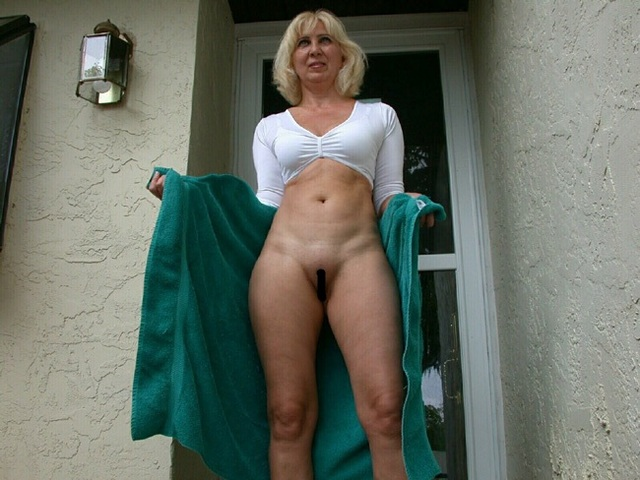 Camel milf old toe here