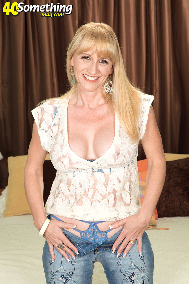 mature chicks pics galleries gallery scj kay opens
