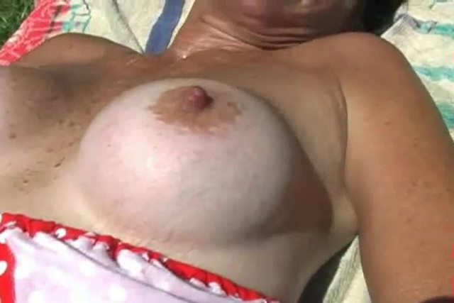mature close up mature pussy hairy close fingered