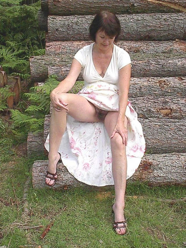 mature feet porn galleries mature pussy woman galleries young close feet girls showing looking naturists