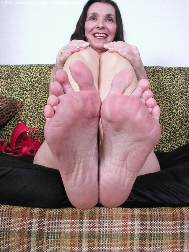 mature feet porn galleries juicy mature pussy wet feet butthole jasmines