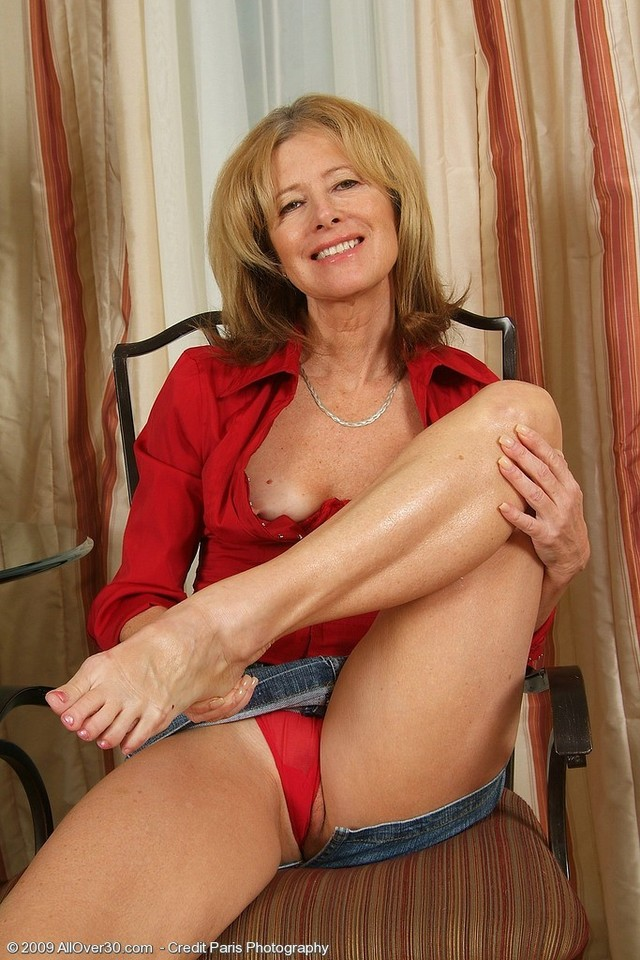 mature feet porn pictures mature woman blonde gallery playing gorgeous