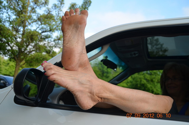 mature foot porn mature porn photo fetish feet soles pumping pedal walking