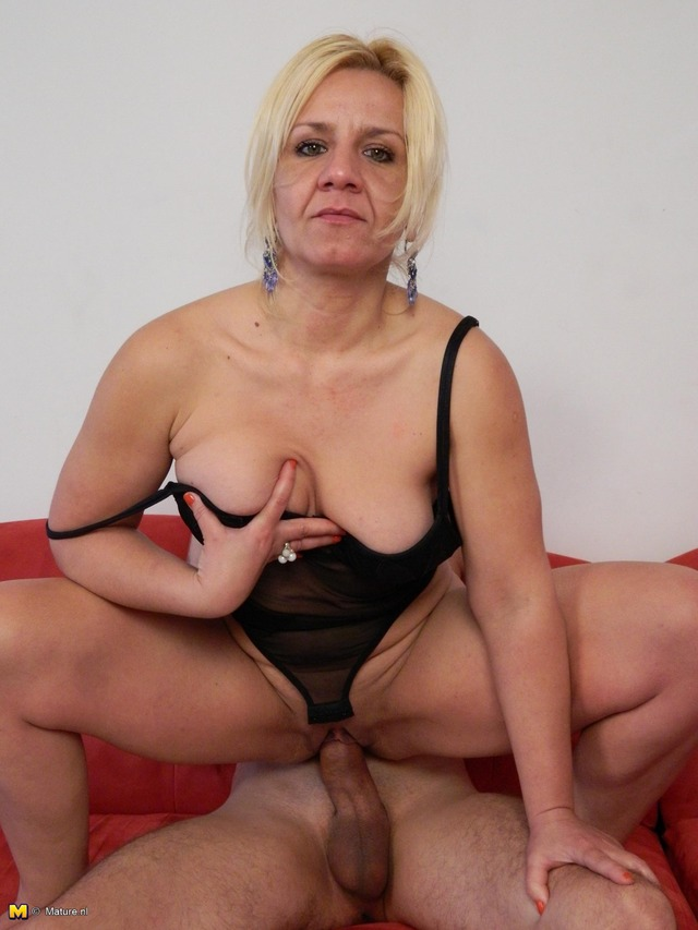 mature galleries mature fucking babe horny sucking evelyn vdo