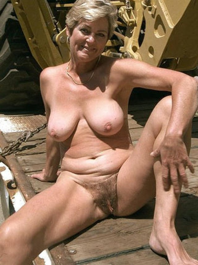 Can Older women naked outside phrase