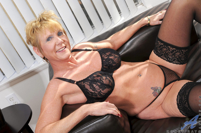 mature granny pics mature pussy galleries blonde fingers gallery granny stockings sexy wearing pierced scj
