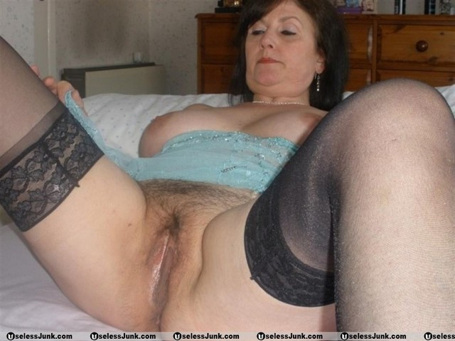 mature granny pics mature older open granny legs showing pink wide swagster spreaders