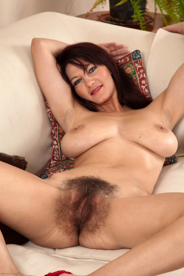 mature hairy porn photos blonde nudist