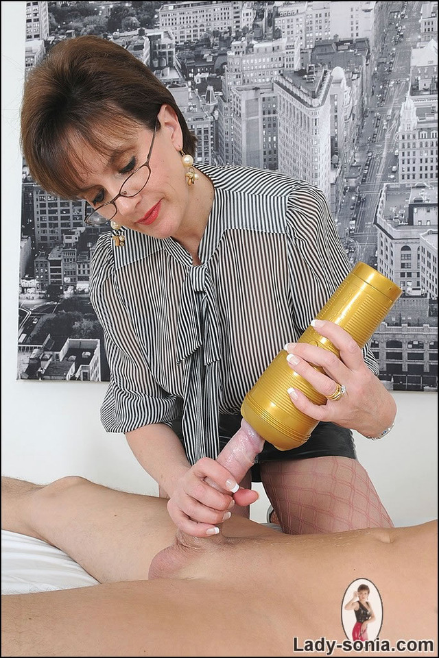 mature hand job pics mature media handjob