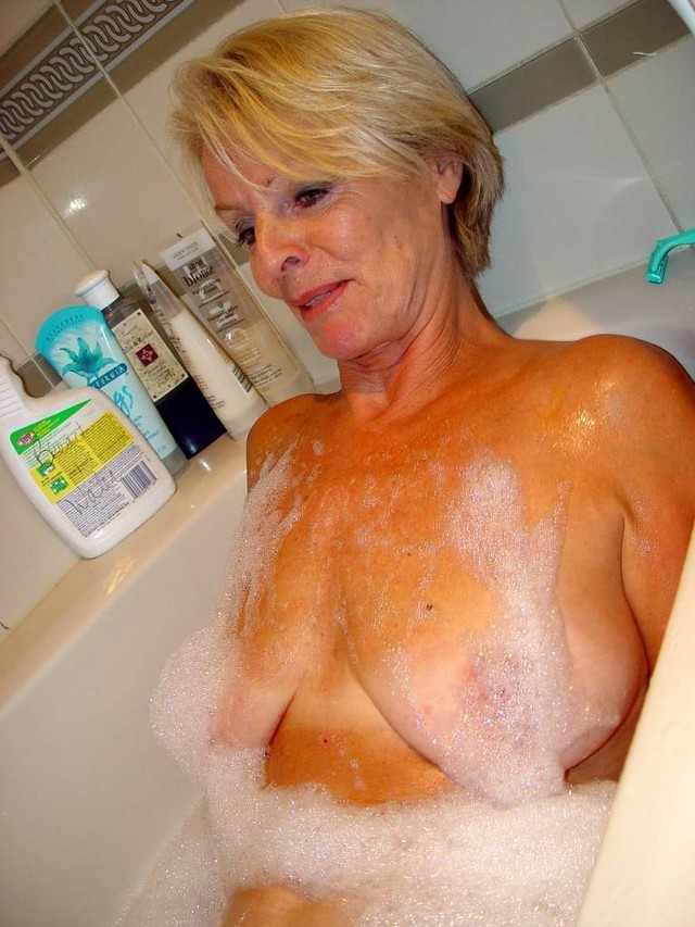 mature hot images mature porn blonde photo taking hot bath justine