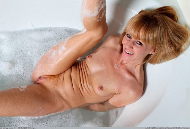 mature housewives porn mature naked housewife search