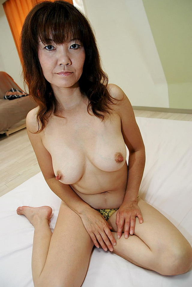 mature japanese porn pics mature original japanese babe gets fucked toys plays porngall