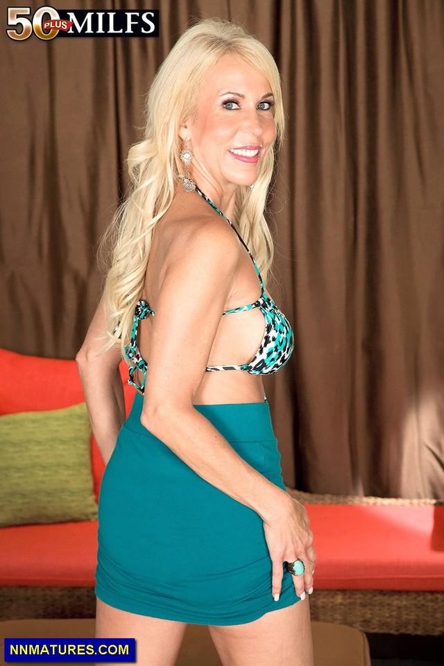 mature ladies nude pics lady mature blonde sexy attachment slim lauren