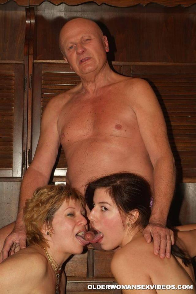 Threesome Mature Ladies 3