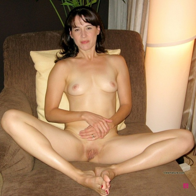 mature m oms mature pussy pictures legs shows moms perfect housewives spreads amazing