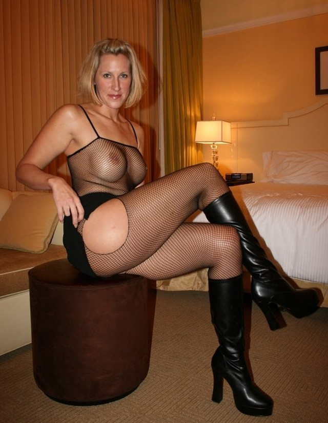 mature mamas gallery page