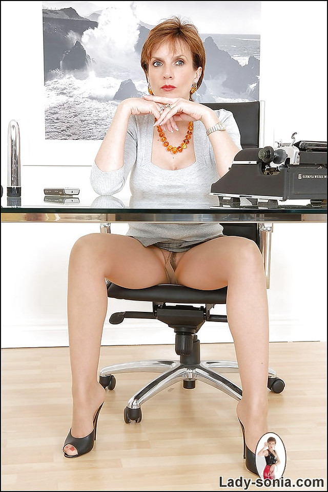 mature milf bank lady mature pictures pics tits round flashing office revealing slit