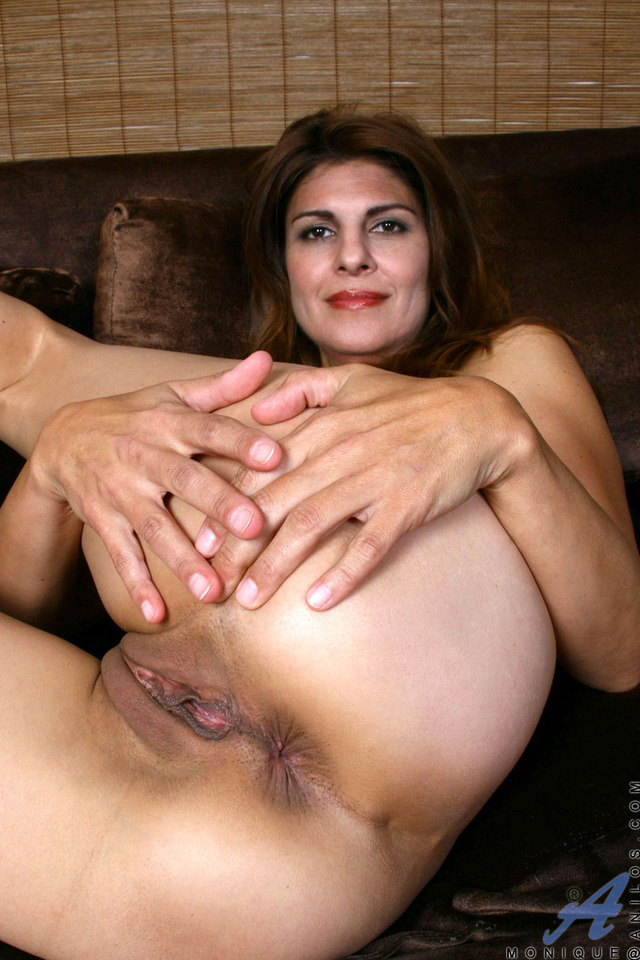 mature milf photos pussy galleries milf samples monique