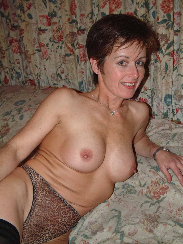 mature milf pic galleries amateur mature nude pics free naked milf hot milfs moms gfs
