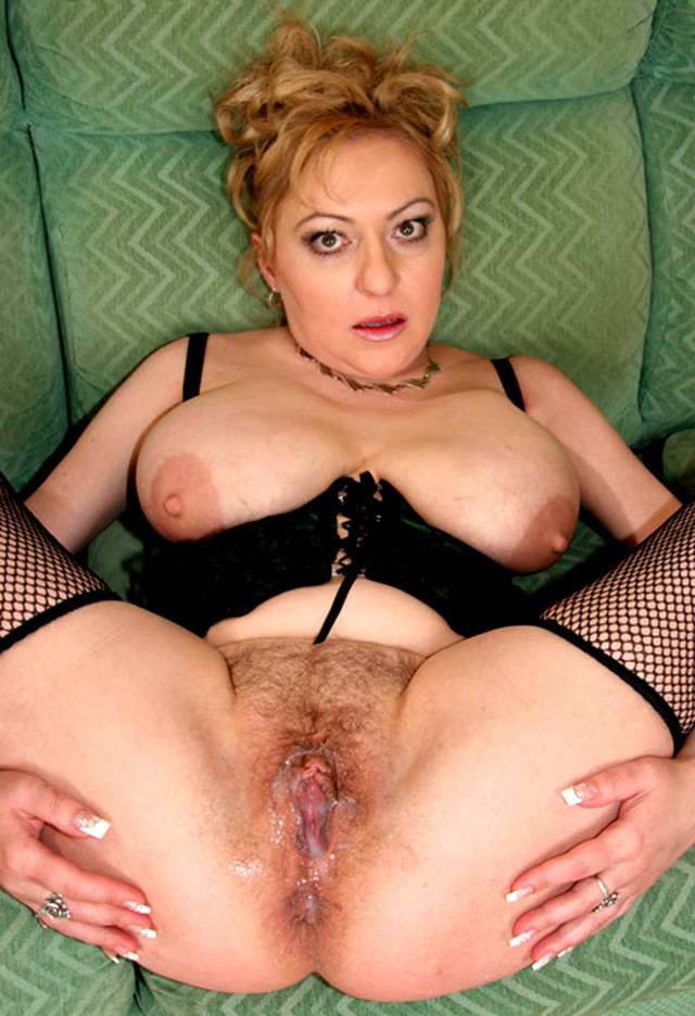 mature milf picture mature pussy porn mom milf wife photo granny spread wide