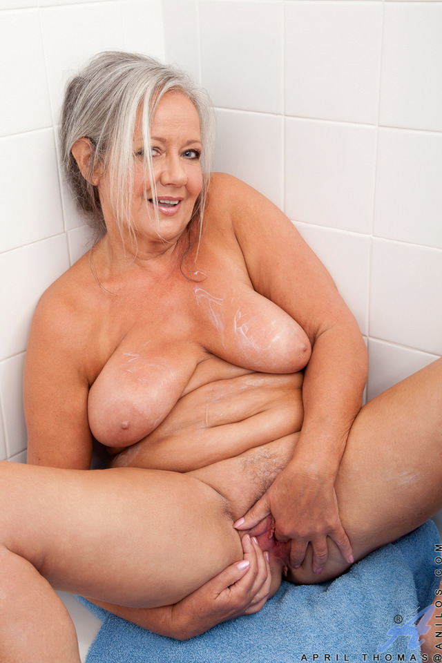 mature milf porn pics mature pictures milf loves anilos general pamper
